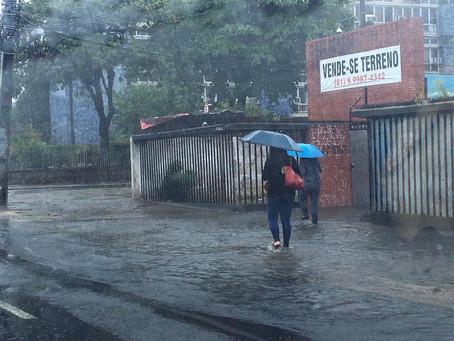 Apac emite alerta de chuvas de moderadas a fortes no Recife nas próximas 24h
