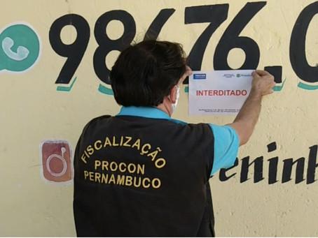Procon interdita clínica de bronzeamento em Zumbi do Pacheco