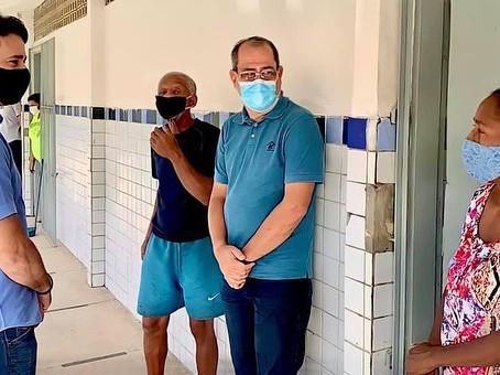 Prefeito e vice de Jaboatão visitam abrigos municipais