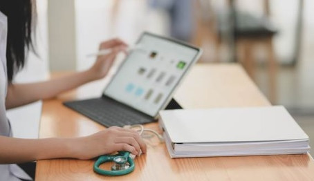 Medicina: Novo edital permite transferir curso até sexta-feira (7)