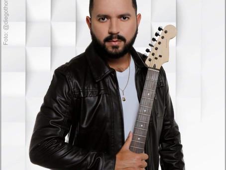 """Allan Carlos faz lançamento de clipe da música """"Luz dos Olhos Meus"""""""