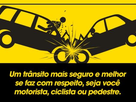 Detran realiza ação para o Maio Amarelo no Shopping Guararapes