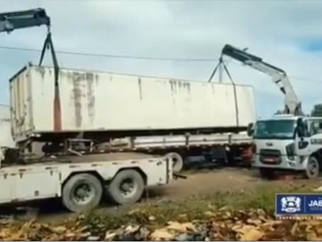 Operação retira veículos abandonados em Jaboatão