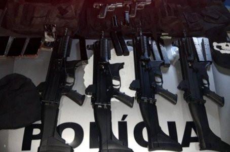 Polícia prende cinco homens com quatro submetralhadoras em Jaboatão