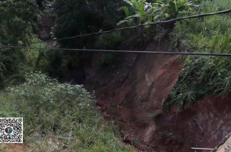 Perto de local onde família morreu durante deslizamento, outra barreira ameaça desabar em Jaboatão