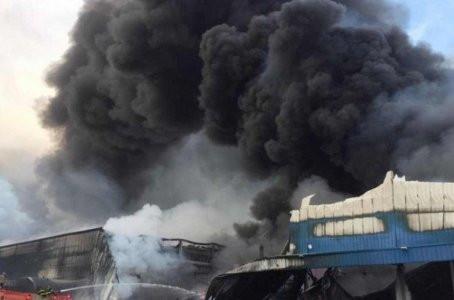 Bombeiros trabalham mais de 30h para controlar incêndio que atingiu condomínio logístico em Jaboatão
