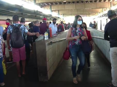 Trem na Estação Jaboatão apresenta problemas mecânicos e causa atrasos