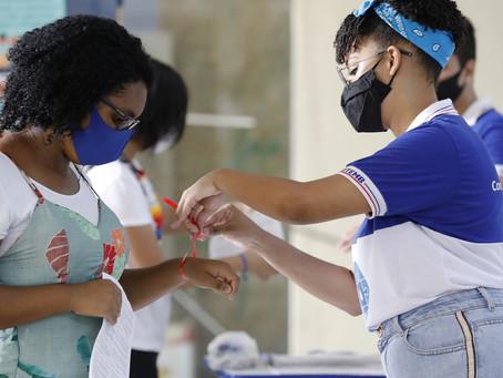 Em Pernambuco, alunos da rede estadual retornam às escolas