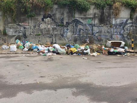 Moradores denunciam acúmulo de lixo em Massaranduba