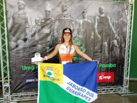 Triatleta jaboatanense faz campanha para participar de campeonato em Brasília