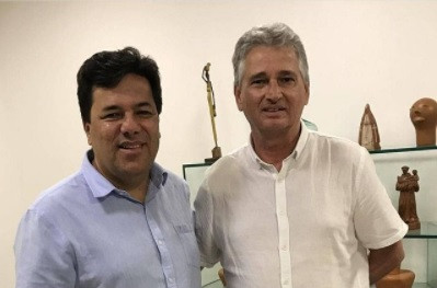 José Carlo registra encontro com o ex-ministro Mendonça Filho