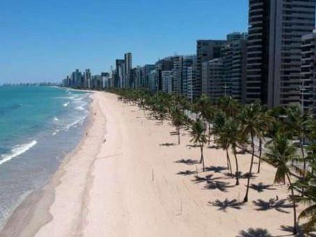 Estado determina que controle do acesso a praias, calçadões e parques fique a cargo dos municípios