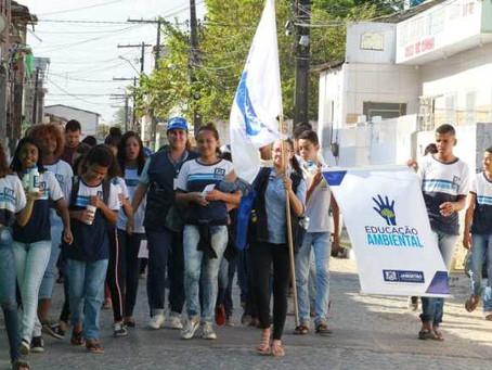 Prefeitura do Jaboatão realiza ação de conscientização sobre descarte correto de lixo e premia aluno