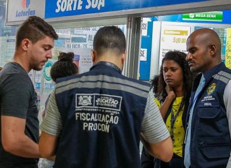 Procon Jaboatão autua farmácia que estava comercializando álcool em gel com valor de R$ 334,8%