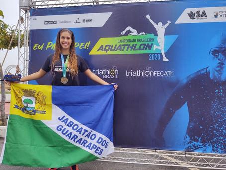 Triatleta Caroll Gomes precisa de apoio para participar doq Mundial de Aquathlon