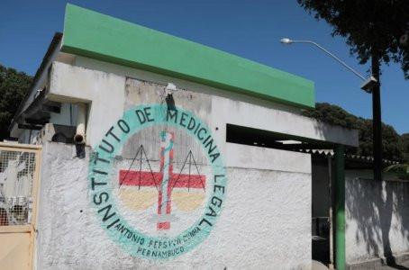 Homem é morto com pelo menos 10 tiros no bairro de Candeias