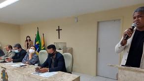 Vereador Eneias apresenta projeto para distribuir absorventes nas escolas municipais