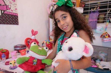 Garota pede ajuda para fazer festa para crianças carentes