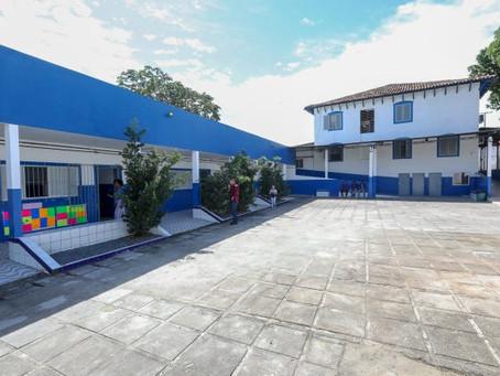 Prefeito vistoria novas instalações da Escola Nossa Senhora do Loreto