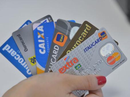 Contribuinte pode pagar taxas federais com cartão de crédito