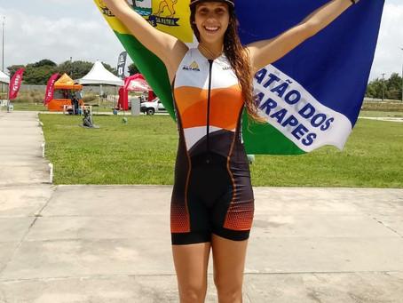 Triatleta Carolline Gomes é ouro em João Pessoa
