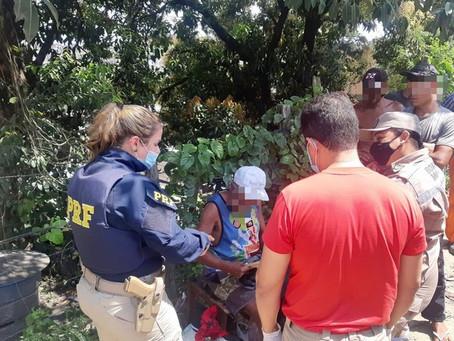 Idoso do Paraná desmaia e é resgatado pela PRF com sinais de desorientação na BR-101 em Jaboatão