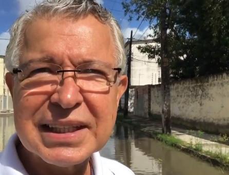 """""""O prefeito de Jaboatão precisa aprender a fazer as coisas direito"""", dispara Elias Gomes"""