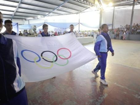 Prefeitura do Jaboatão entrega troféus no encerramento do 30º Jogos Estudantis
