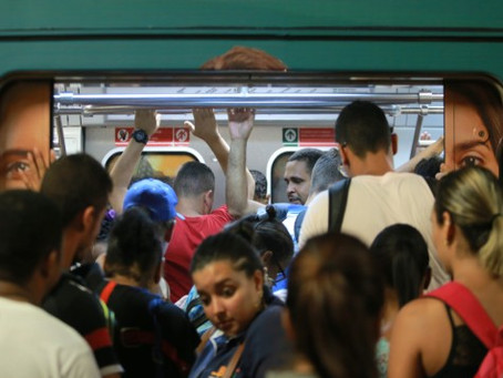 Três homens assaltam trem em Jaboatão