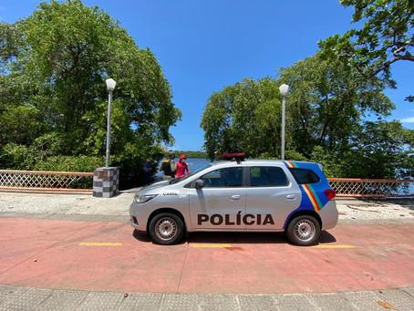 Corpo de homem é encontrado boiando no Rio Capibaribe, no Recife