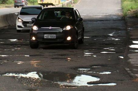 Motoristas denunciam falta de pavimentação na BR-232