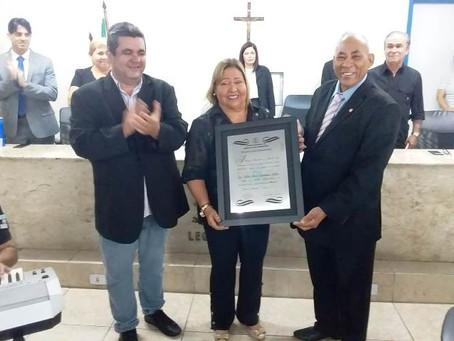 Diretora do Colégio Zuleide Constantino recebe título de cidadã jaboatanense