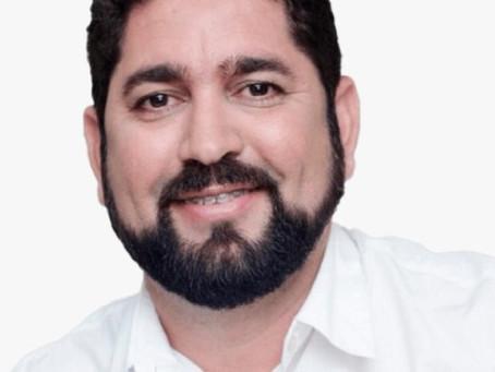 """Daniel Alves: """"É muito cinismo do prefeito usar a a TV para levar inverdades aos pernambucanos"""""""