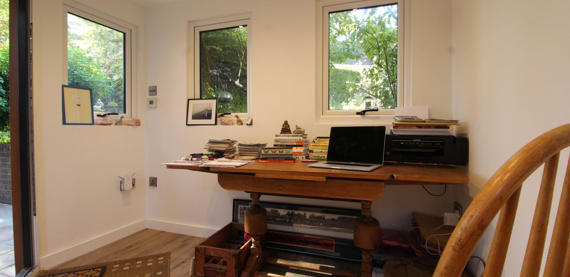 Relaxing Garden Office