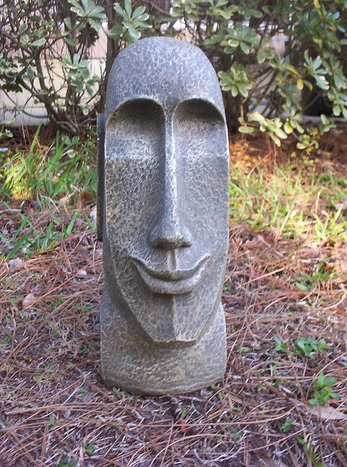 EASTER ISLAND STATUE *