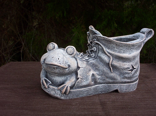 FROG IN BOOT PLANTER