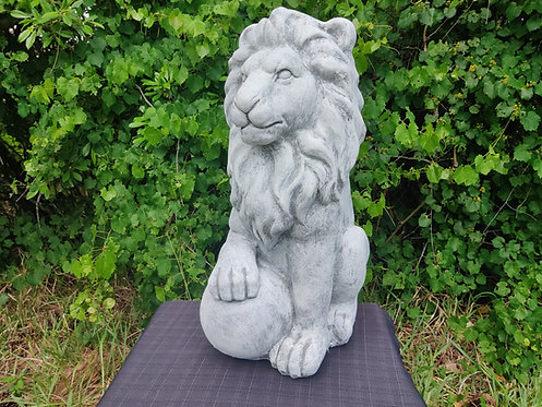LION WITH PAW ON BALL -(MEDIUM)