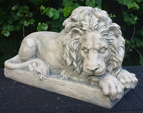 TRADITIONAL LION-SIDE FACING