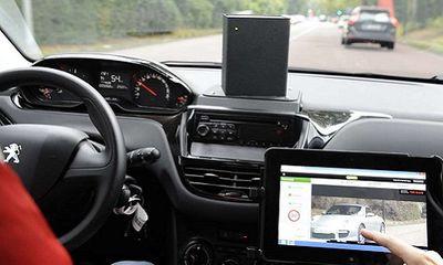 Les voitures-radars et le secteur privé