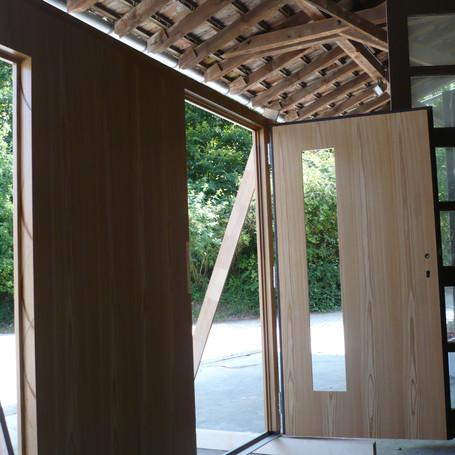 Massive und hochwertige Holztüren für große Sicherheit