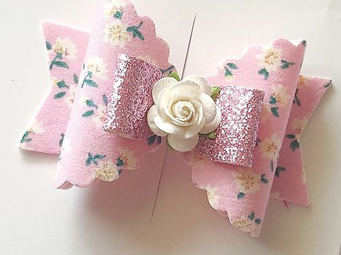 Floral Magic Bow Clip