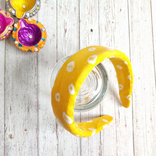 Idika Bandhani Padded Hairband in Yellow