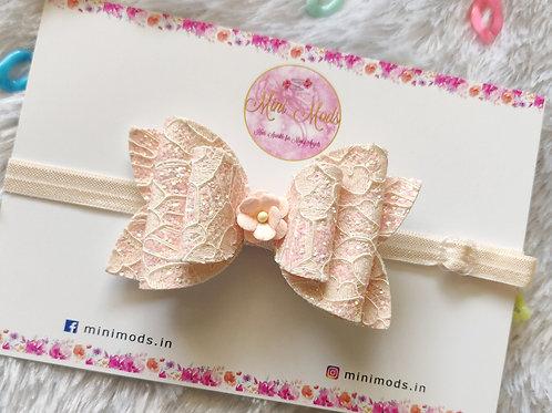 Pastel Lace Bows - Peach