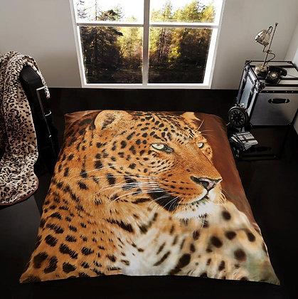 Leopard Staring Blanket