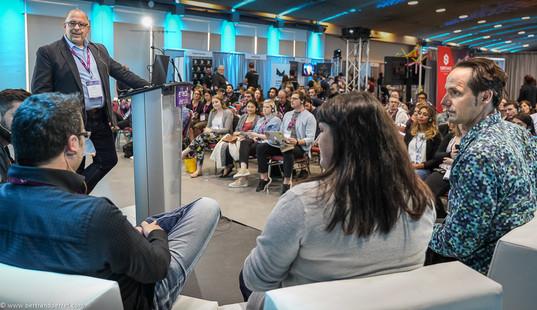 Photographie d'une conférence - Salon Effects