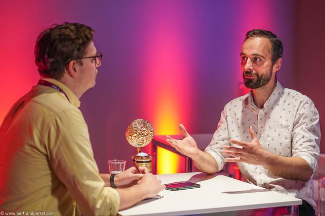 Photographie d'un salon - interview - Effects