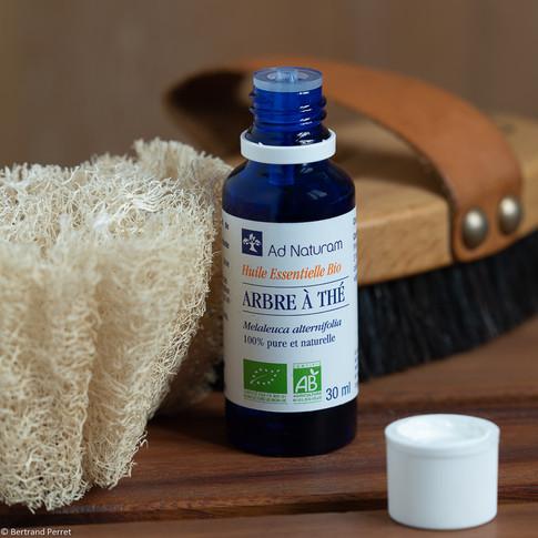 Photo publicitaire pour une huile essentielle