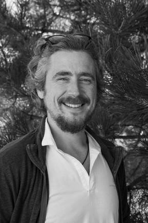 Portrait professionnel d'un naturopathe - noir et blanc