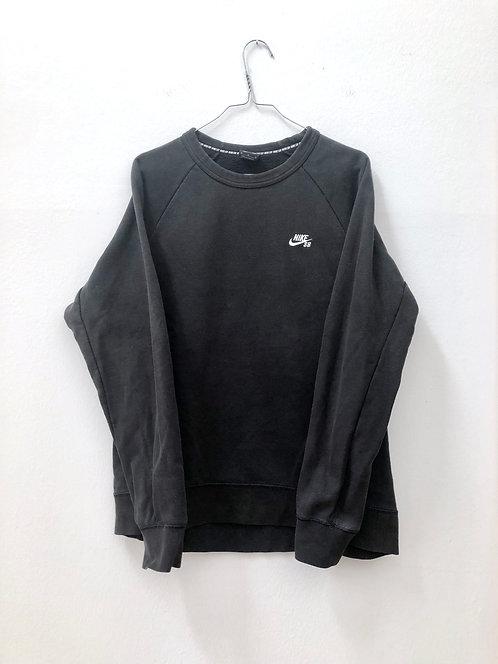 SOLD basic nike sweater