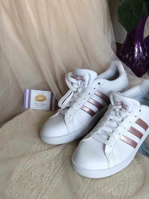 Womens/Girls Adidas White & Rose Gold Size 8 1/2